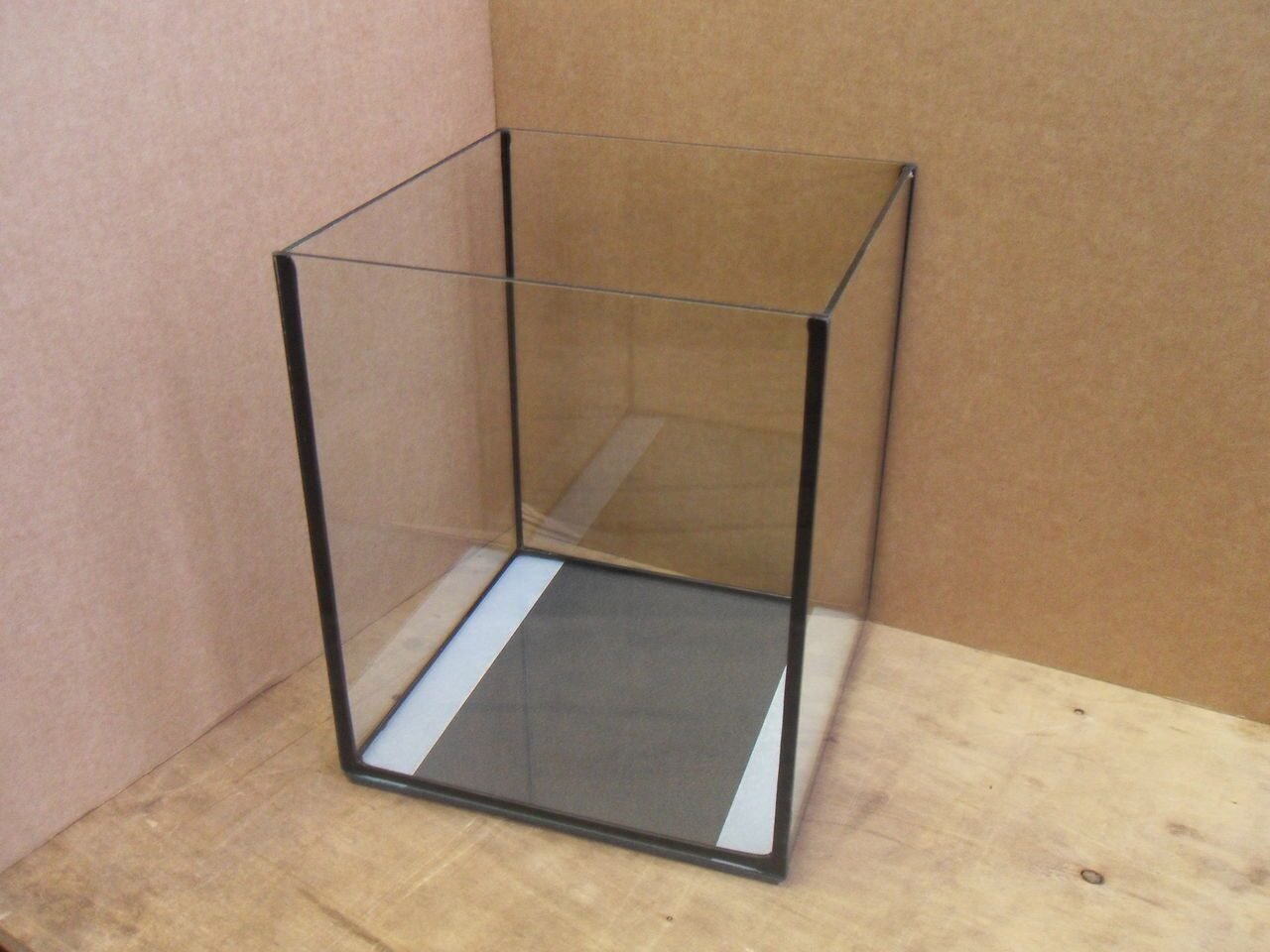Как сделать аквариум из стекла своими